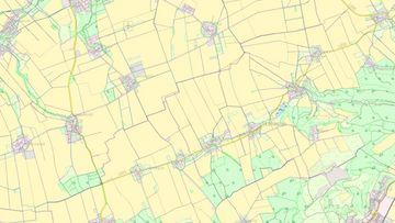 Ausschnitt aus einer Landkarte, in die Waldflächen, Siedlungen und Landwirtschaftsfeldblöcke eingezeichnet sind.